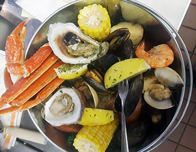 Fresh seafood steampot